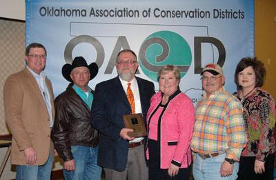 image of Dan Lowrance, Jari Askins and County CD board members