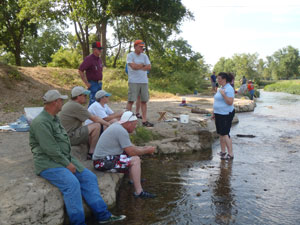 image of class members at Illinois River